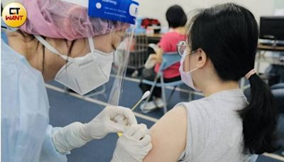疫苗平台「跨縣市出包」 北市老翁預約莫德納…在桃園打過了?