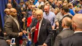 Fact check: Man photographed with Donald Trump in 2016 was born without arms