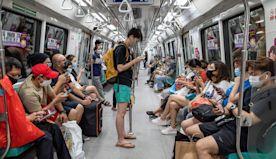 吉隆坡輕軌列車意外 兩百人受傷|兩成受訪者擬移民  董建華:沒有...