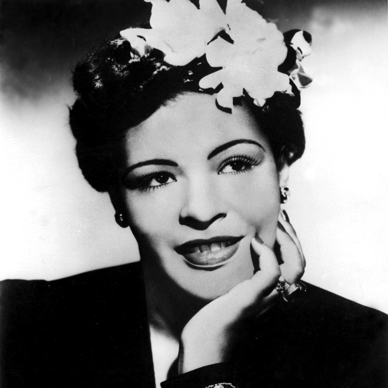 Beauty Flashback: Billie Holiday's flower-filled hair