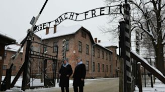 Oregon to require schools to teach about Holocaust