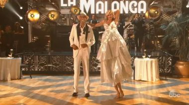 Kareem Abdul-Jabbar is so tall he requires 2 dancing partners on 'DWTS'