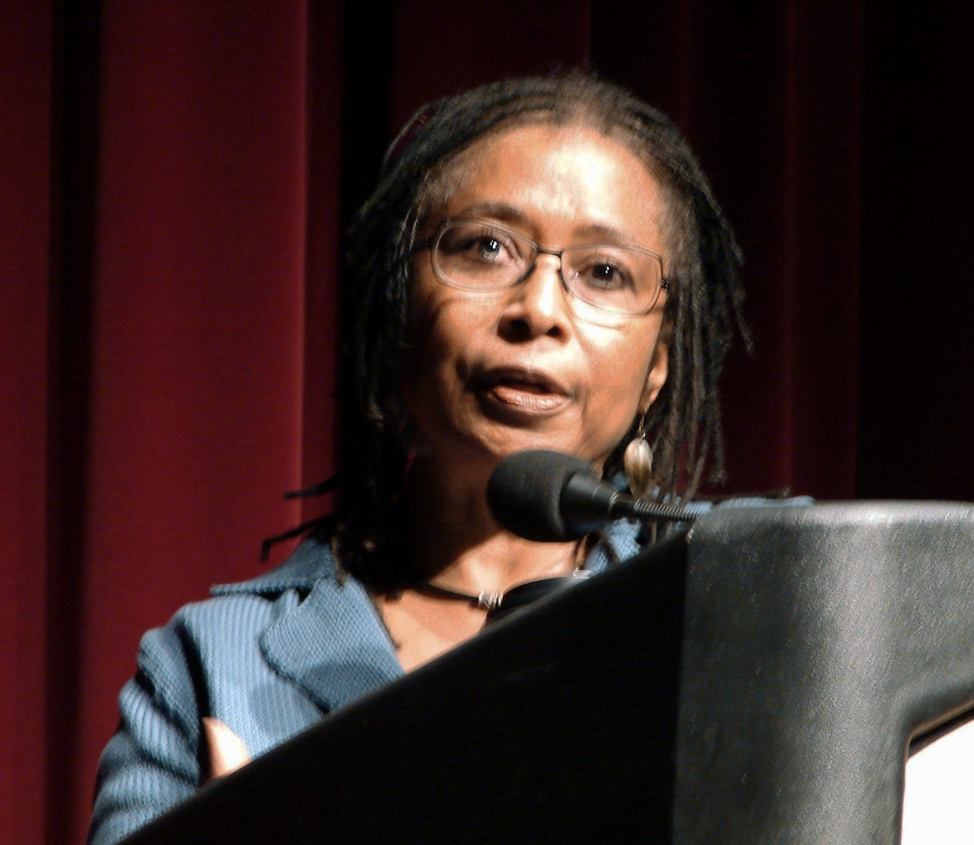 Description Alice Walker.jpg