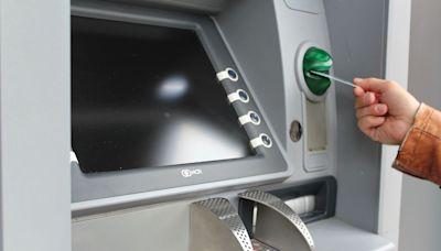 國泰世華ATM遭爆出包2天!民眾哀號被吃錢 異常交易累計4.1萬筆