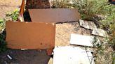 Fuego y destrozos de mobiliario dejan huella en el barrio reusense de Mas Pellicer