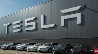 The Zacks Analyst Blog Highlights: Tesla, FedEx, General Motors, Deere & Co and Lennar
