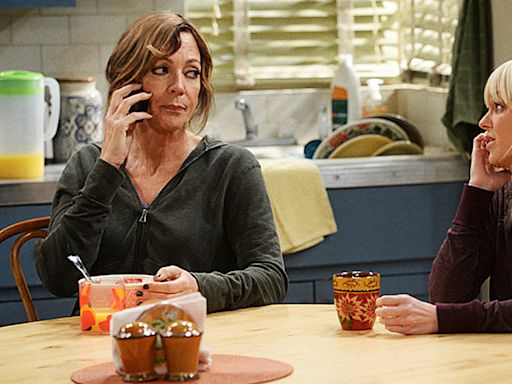 """... Reacts To 'Mom' Ending On CBS, Says Show """"Has ... My Life"""", More Cast Reactions – Update"""