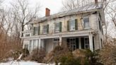 Step inside this old abandoned house untouched for 40 years