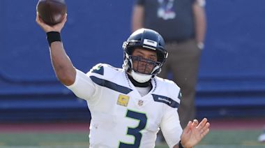 Cowboys Insider Uses 1 Word To Describe Russell Wilson Rumors