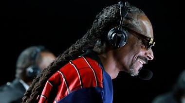 Twitter Loved Snoop Dogg's Commentary of Mike Tyson and Roy Jones Jr's Fight