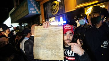 Hundreds protest closing of Staten Island bar that refused Covid-19 measures