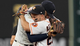 Homers from Altuve, Correa lift Astros to Game 1 win