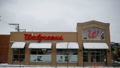 Walmart, Walgreens U.S. stores roll out Moderna, J&J COVID-19 booster shots