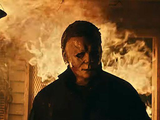 Jamie Lee Curtis strikes back at Michael Myers in Halloween Kills trailer: 'Evil dies tonight'