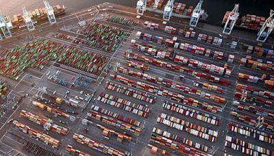 Lazy crane operators making $250,000 a year exacerbating port crisis, truckers say