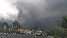 Smoke and Ash Fill Sky Over La Palma Amid 'Explosive' Volcanic Activity