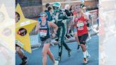 倫敦馬拉松/跑者身穿 F1 全套裝備完賽 創下吉尼斯世界紀錄
