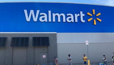 Walmart moving more workers to full time in retention effort