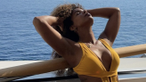 Kelly Rowland, 40, Is 'Feeling Herself' On A Yacht In Italy, And Her Abs Are Straight Fire