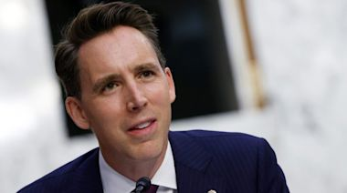Hawley Doesn't Regret Objecting to Vote Certification, Labels Dems' Ethics Complaint 'Brazen Abuse'