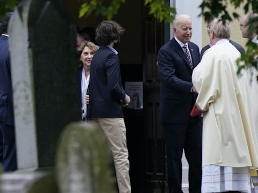 US bishops vote to create document that could deny Biden Communion