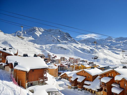 Reopening of French ski resorts 'impossible' before Christmas, warns Macron