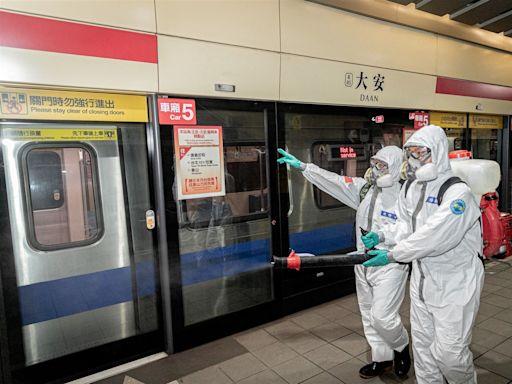 33化學兵群大臺北消毒 持續守護健康