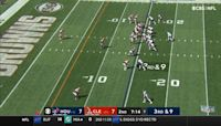 Tyrod Taylor calls his own number for elusive 15-yard TD scramble