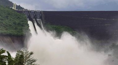 雨神發威!台南曾文、南化、烏山頭3大水庫同時洩洪、溢流…