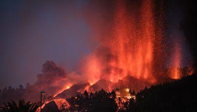 La Palma volcano: Rumours of feared mega-tsunami debunked by experts