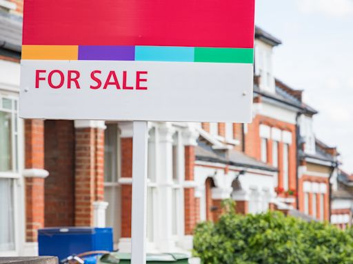 UK house prices decline fall in February but property value remains high