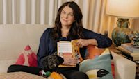 Lauren Graham's Week: Background Binges and Books, Books, Books