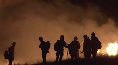 Blustery winds aggravate Cerritos and Airport fires in Riverside County