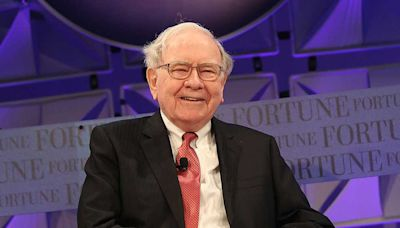 Buffett Stock, JPMorgan Lead These Top Financial Plays Near Buy Points