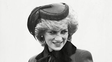 Here's How Queen Elizabeth II Found Out About Princess Diana's Death