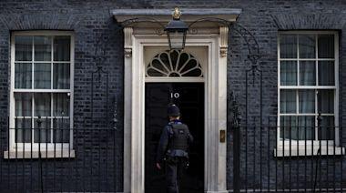 首相公寓裝潢風暴延燒 英國會要強森「解釋清楚或辭職下台」
