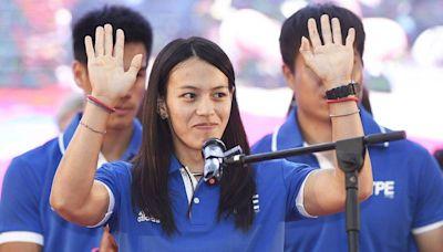 「舉重女神」郭婞淳也是老師!網友祝福:好想上妳的課