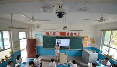 甘肅家長投訴學校收費在教室裝監控 回應:讓第三隻眼監督孩子 - 香港經濟日報 - 中國頻道 - 國情動向