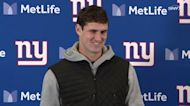 Giants vs Panthers: Daniel Jones on one-handed catch in 25-3 Week 7 win | Giants Post Game