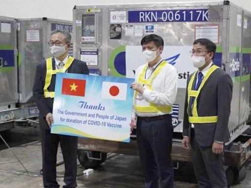 贈越南100萬劑AZ疫苗運抵 日本還想援助這些國家