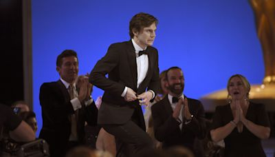 """'Mare Of Easttown's Evan Peters Wins First Emmy, For Outstanding Supporting Actor In A Limited Series; Thanks """"Kate Winslet..."""