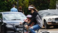 Noel Fielding takes adorable daughter Dali out on achingly cute bike ride