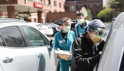 US coronavirus cases rise 8% in two weeks as more states ease restrictions