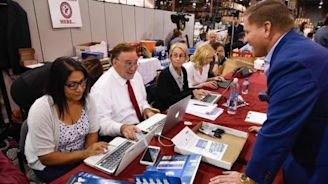 Florida: Senate race stays on knife edge as hand recount ordered