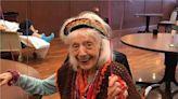 百歲奶奶超勇健!染新冠肺炎也痊癒 女兒震驚:像超人