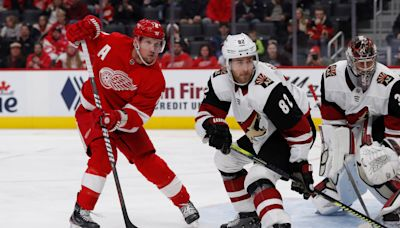 It's a happy homecoming for ex-WMU D Jordan Oesterle to sign with Detroit Red Wings