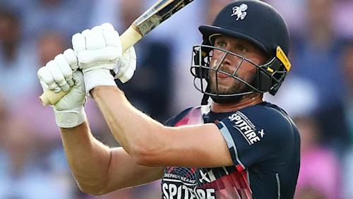 Alex Blake: Kent batsman signs new white-ball deal until 2022