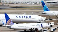 United Airlines climbs on earnings