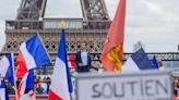 French parliament OKs restaurant COVID pass, mandatory vaccines for health workers