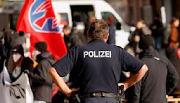 German police stop far-right vigilantes patrolling Polish border